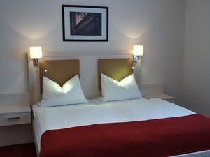 21667309-Doppelzimmer-2-Barßel-300x225-1