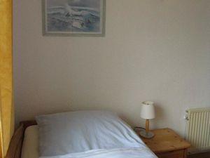 21975659-Einzelzimmer-1-Norderney-300x225-4