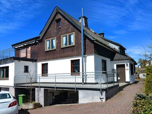 Ferienhaus für 16 Personen (200 m²) ab 221 € in Altastenberg