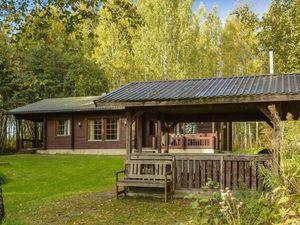 Ferienhaus für 6 Personen (90 m²) ab 106 € in Alvettula