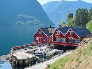 Ferienhaus für 7 Personen (90 m²) ab 63 € in Arnafjord