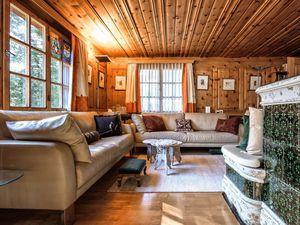 Ferienhaus für 12 Personen ab 640 € in Arosa