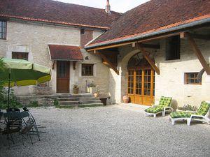 Ferienhaus für 9 Personen (270 m²) ab 134 € in Arthonnay