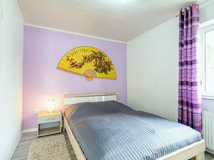 21864603-Ferienhaus-4-Baabe-300x225-5