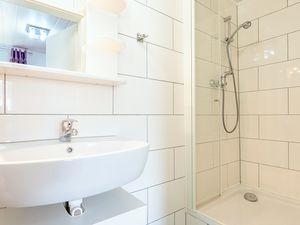 21864603-Ferienhaus-4-Baabe-300x225-6