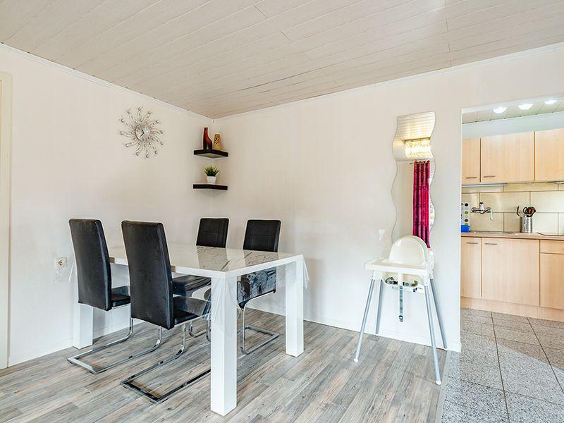 21864597-Ferienhaus-4-Baabe-800x600-3