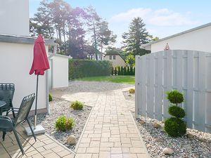 21864605-Ferienhaus-4-Baabe-300x225-6