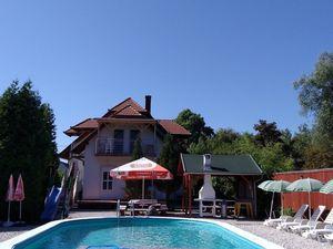 Ferienhaus für 8 Personen (86 m²) ab 120 € in Balatomáriafürdö