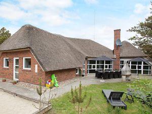 Ferienhaus für 12 Personen (250 m²) ab 91 € in Blåvand