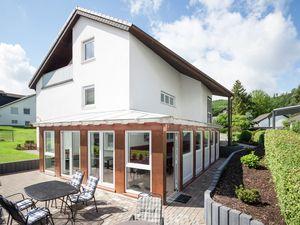 Ferienhaus für 23 Personen (330 m²) ab 361 € in Bödefeld