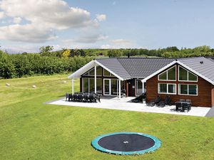 Ferienhaus für 16 Personen (250 m²) ab 167 € in Bogense
