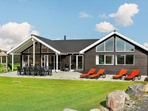 Ferienhaus für 16 Personen (250 m²) ab 204 € in Bogense