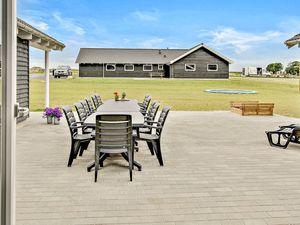 Ferienhaus für 22 Personen (270 m²) ab 214 € in Bogense