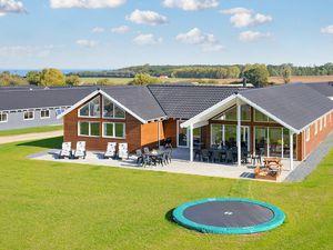 Ferienhaus für 18 Personen (282 m²) ab 156 € in Bogense