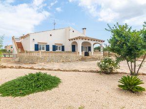 Ferienhaus für 6 Personen (110 m²) ab 98 € in Cala Llombards