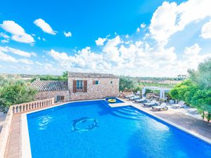 Ferienhaus für 10 Personen (250 m²) ab 362 € in Cala Llombards