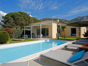 Ferienhaus für 6 Personen (140 m²) ab 421 € in Calvi