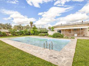 Ferienhaus für 8 Personen (140 m²) ab 124 € in Chiaramonte Gulfi