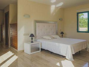 Ferienhaus für 8 Personen (400 m²) ab 215 € in Dénia