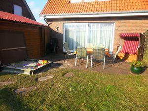 Ferienhaus für 7 Personen (90 m²) ab 62 € in Dornumersiel