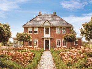 Ferienhaus für 10 Personen (300 m²) ab 91 € in Drijber