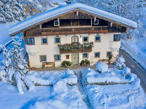 Ferienhaus für 12 Personen (265 m²) ab 335 € in Ebbs