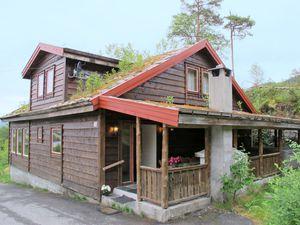 Ferienhaus für 20 Personen (165 m²) ab 107 € in Eikelandsosen