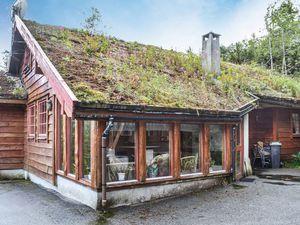 Ferienhaus für 16 Personen (245 m²) ab 99 € in Eikelandsosen