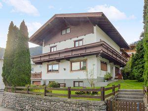 Ferienhaus für 12 Personen (200 m²) ab 213 € in Finkenberg