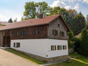 Ferienhaus für 7 Personen ab 100 € in Frauenau