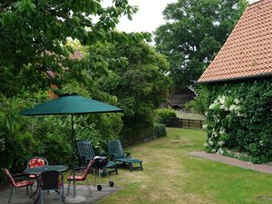 18658930-Ferienhaus-4-Gilten-300x225-0