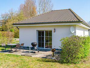21994931-Ferienhaus-4-Glowe-300x225-0