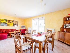 21994931-Ferienhaus-4-Glowe-300x225-1