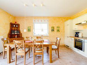21994931-Ferienhaus-4-Glowe-300x225-5