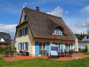 Ferienhaus für 10 Personen (149 m²) ab 220 € in Glowe