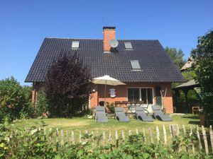 22665299-Ferienhaus-13-Glowe-300x225-1