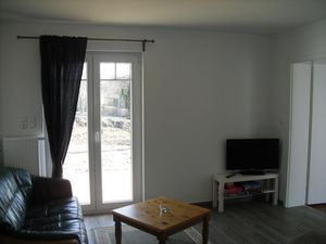 18283857-Ferienhaus-5-Heide-300x225-1