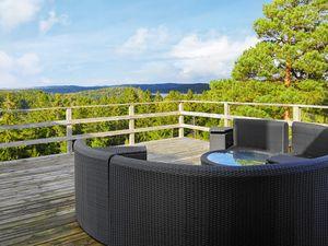 Ferienhaus für 8 Personen (138 m²) ab 182 € in Henån