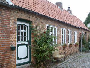 Ferienhaus für 3 Personen ab 55 € in Husum