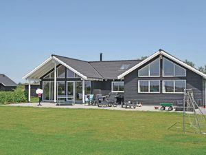 Ferienhaus für 18 Personen (233 m²) ab 147 € in Idestrup