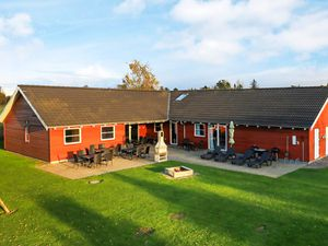 Ferienhaus für 24 Personen (324 m²) ab 394 € in Idestrup