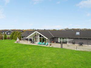 Ferienhaus für 12 Personen (186 m²) ab 115 € in Idestrup