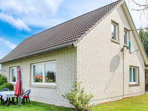 Ferienhaus für 3 Personen (90 m²) ab 34 € in Ihlow
