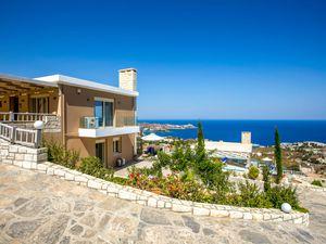 Ferienhaus für 8 Personen ab 210 € in Iraklio