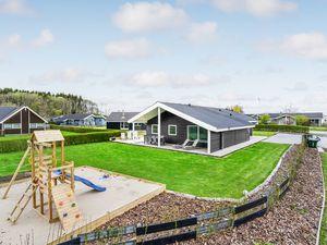 Ferienhaus für 14 Personen (130 m²) ab 118 € in Juelsminde