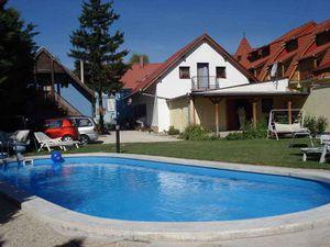 Ferienhaus für 10 Personen (200 m²) ab 160 € in Keszthely