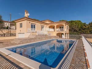 Ferienhaus für 8 Personen (290 m²) ab 32 € in L'Escala