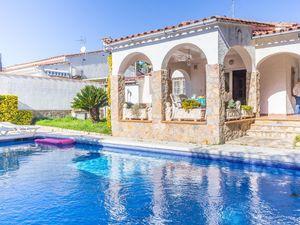 Ferienhaus für 6 Personen (183 m²) ab 88 € in L'Escala