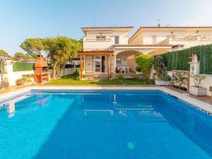 Ferienhaus für 7 Personen (100 m²) ab 128 € in L'Escala
