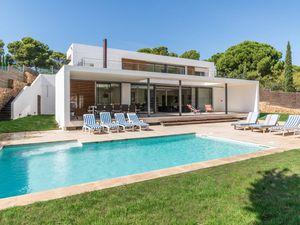 Ferienhaus für 9 Personen (300 m²) ab 288 € in L'Escala